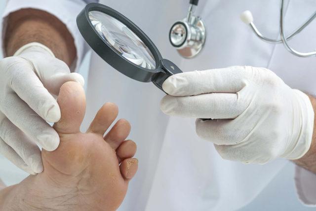 где можно удалить ноготь пораженный грибком